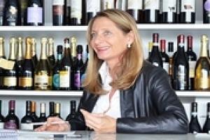 """""""Sono dodici milioni, e affascinati da tutti gli aspetti sociali e culturali del vino"""", ma """"solo il 40% ha un lavoro che gli consente un'entrata sicura"""": i millennial italiani, e il loro rapporto col vino, per l'esperta di consumi Marilena Colussi"""