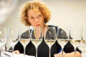 Il Cannonau, vino simbolo della Sardegna, sta conoscendo un discreto successo sui mercati internazionali. Ma quali sono gli ostacoli da superare in Gran Bretagna? A WineNews l'opinione della Master of Wine Jo Ahearne