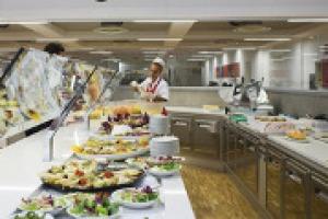 Non solo grandi chef e ristornati d'autore: in Italia conta anche, e molto, la ristorazione collettiva. A WineNews le riflessioni di Arnaldo Tinarelli, direttore affari generali del gruppo Camst, che somministra oltre 100 milioni di pasti all'anno