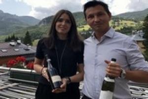 L'Italia non è un Paese per giovani, e spesso nemmeno per giovani produttori e professionisti del vino. E quindi perché farlo? Da VinoVip Sara Cecchetto, dell'omonima griffe del Piave, e Nicola Biasi, enologo e produttore del Vin de la Neu