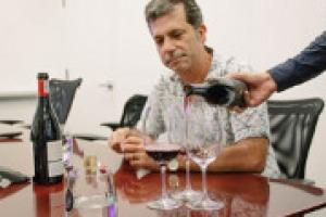 Come cambia la comunicazione del vino sui nuovi media e sui social network? Lo abbiamo chiesto a Gino Colangelo, della Colangelo & Partners Public Relations, una delle agenzie di riferimento per la comunicazione ed il marketing enoico