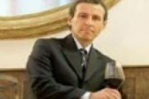 Con Corrado Casoli, presidente del Gruppo Italiano Vini, abbiamo affrontato i grandi temi del vino italiano: dal bilancio 2010 ai successi all'estero, dal calo dei consumi sul mercato interno ai programmi di sviluppo del Gruppo Italiano Vini