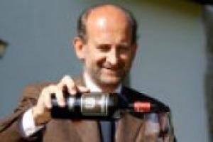 700 anni di storia alle spalle, e ora si guarda al futuro. È Marchesi de' Frescobaldi, nome storico del vino italiano, che inizia un nuovo corso (con nuovi acquisti?). A WineNews le parole del nuovo presidente, fresco di nomina, Lamberto Frescobaldi