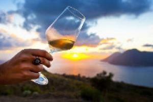 In Italia è boom per gli spumanti di territorio, dal Sangiovese in Toscana al Bombino in Puglia, passando per le bollicine vulcaniche di Lessini Durello, come racconta a WineNews Aldo Lorenzoni, alla guida del Consorzio del Soave