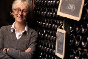 """""""Il mio modo di stare nel mondo del vino è innanzitutto una scelta di libertà: non ho bisogno di seguire le mode del momento, né di fare compromessi, rispettando il mio territorio"""". A WineNews, Maria Teresa Mascarello, produttrice di culto del Barolo"""