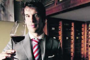 I punti di forza della Spagna enoica sono quasi gli stessi dell'Italia, a partire dal grande patrimonio viticolo, passando per il calo dei consumi. A WineNews, il presidente della Federaciòn Española de Asociaciones de Enòlogos, Santiago Jordi Martin