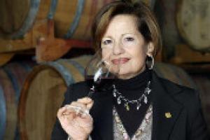 """""""La missione delle donne del vino è sempre la stessa: preservare il valore fondamentale della cultura e della diffusione del vino"""". A WineNews, la presidente dell'Associazione Nazionale Le Donne Del Vino, Elena Martusciello"""