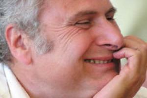 """""""Il futuro del Sangiovese è nelle mani dei produttori: può dare tante soddisfazioni, ma si fa di tutto per sminuirlo"""".. A WineNews, uno dei maggiori conoscitori del vitigno più rappresentativo del Belpaese, l'enologo Maurizio Castelli"""