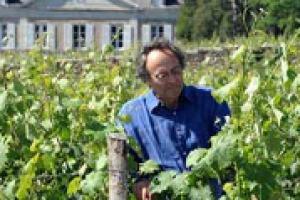 """""""La vita viene sulla terra perchè viviamo nel sistema solare, le pratiche biodinamiche servono per accoglierla al meglio eliminando le interferenze"""": così a WineNews il pioniere della biodinamica, il produttore francese Nicolas Joly"""