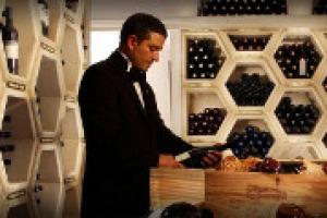''Non di soli chef vivono i ristoranti, ma anche del lavoro in sala'', come racconta a WineNews il presidente della giovane associazione ''Noi di Sala'' Marco Reitano, chef sommelier della Pergola del Rome Cavalieri di Heinz Beck