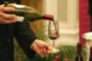 Il Novello è un simbolo dell'autunno o un vino sul viale del tramonto? Parola ai produttori: Alessandro Rosso (Cavit), Roberto Sarti (Caviro), Andrea Vantini (Consorzio Bardolino Doc) e Stefano Tommasi (Tommasi)