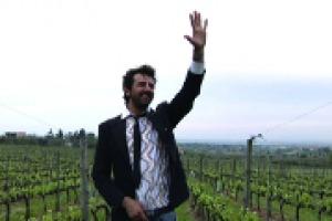 Nato da una famiglia di liutai, protagonista del rock italiano degli anni Ottanta con i Timoria, ha imparato ad amare l'enogastronomia grazie all'incontro con Luigi Veronelli: tra vino e musica, ospite di Ruffino, a WineNews, Omar Pedrini