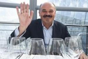 """""""25 milioni di fatturato, 6 milioni entrati nel padiglione Italia, 3 milioni hanno consumato e 300.000 hanno visitato il """"Tesoro d'Italia"""" di Sgarbi"""". A tirare le somme di Expo, a un mese dalla chiusura, è Oscar Farinetti, Patron di Eataly"""