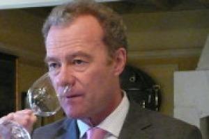 La crescita dell'Italia, trainata dai suoi mostri sacri, ma anche il presente ed il futuro di Bordeaux: a WineNews, Paul Pontallier, managing director di Château Margaux, icona del vino d'Oltralpe
