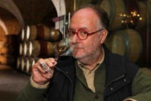 """In Nuova Zelanda la wine writer Yvonne Lorkin ha assicurato le proprie papille gustative per un milione di dollari. Ma in Italia, il critico enogastronomico Edoardo Raspelli l'ha fatto già 15 anni fa, """"per farmi pubblicità"""", come racconta a WineNews"""