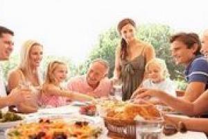 """Per gli italiani di oggi, il cibo """"è vissuto quotidiano, più che in passato. E' terapia, perché fa bene, è valore, è moda, espressione di identità, in certi casi ostentazione"""": i consumi nella gdo italiana per Albino Russo, direttore Ancc-Coop"""