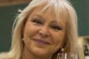 Italiani acculturati sul vino? In un Paese coperto di vigneti dalla Valle d'Aosta alla Sicilia, verrebbe naturale pensare di si. E invece no. Lo racconta a WineNews Daniela Scrobogna, responsabile della didattica dell'Associazione Italiana Sommelier
