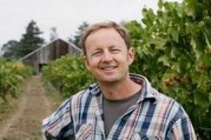 La spinta verso la sostenibilità va sostenuta, anche tramite il coinvolgimento di un consumatore che diventi consapevole e ricettivo non solo ai temi della sicurezza alimentare: a WineNews le parole del winemaker della Napa Valley Steve Matthiasson