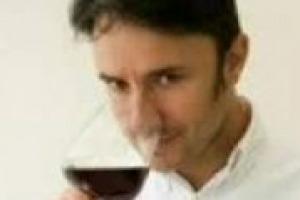 Il mercato domestico consuma meno ma non perde il suo ruolo di riflesso per le piazze internazionali. Troppi i vini intermedi, ripresa per i territoriali. Parola di Cesare Turini, ad Heres, società di distribuzione fra le più importanti d'Italia
