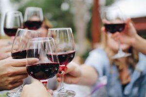 """Il meglio del vino in degustazione, insieme, sotto lo stesso tetto: il 26 febbraio, a Milano, c'è """"Simply the Best"""" di Civiltà del Bere, che riunisce le 50 cantine premiate con il massimo punteggio da almeno tre del otto guide top del vino d'Italia"""