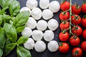 Nel 2017 il fatturato dell'industria alimentare tocca i 137 miliardi di euro, in crescita del +1,7% sul 2016. A dirlo i dati Federalimentare e Osservatorio Cibus Export, svelati per Cibus n. 19 (Parma, 7/10 maggio 2018)