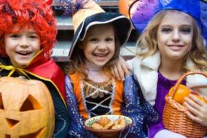 """Halloween? Non è poi così diverso dal giorno dei morti cristiano. Non solo caramelle, ma anche tanti dolci tipici regionali protagonisti del """"dolcetto o scherzetto"""" a cui, per la Coldiretti, parteciperà il 27% degli italiani"""