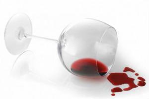 Tante chiacchiere della politica, sul vino, ma poca sostanza: ancora tutto fermo su Ocm Promozione, Comitato Vini, Testo Unico, decreto Consorzi e decreti attuativi per la legge sull'enoturismo
