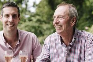 """La mania tutta britannica per le scommesse mette il menu del matrimonio del Principe Harry nel mirino. Tra i vini, sono destinate a crollare le quotazioni di Camel Valley, primo produttore inglese a ricevere il prestigioso """"Royal Warrant"""""""