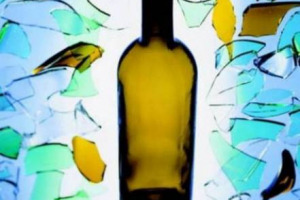 Vecchie soluzioni per nuove sfide: torna in Italia il vuoto a rendere, la possibilità di riciclare le bottiglie vuote nei locali pubblici in cambio di una cauzione. Prassi già in uso 50 anni fa, fu abbandonata per i recipienti monouso