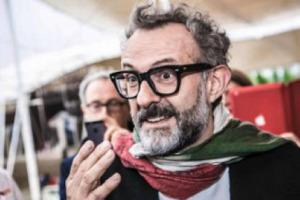 """""""Oggi la cucina italiana è riconosciuta come la n. 1 al mondo per qualità, anche grazie ad una squadra di oltre 30 chef italiani che rappresenta la cucina italiana contemporanea nel mondo"""". Così, a WineNews, parla Massimo Bottura"""