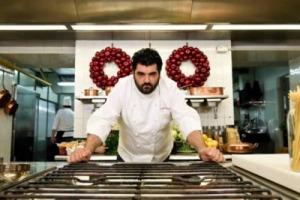 """Manca un asterisco per indicare gli alimenti surgelati: i Nas multano il Bistrot Torino di Cannavacciuolo, che commenta: """"nessuna frode, il pesce va abbattuto per legge, il resto era per nostro consumo"""". E la Fipe si schiera con lo chef"""