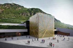 """Cinque livelli di cantina completamente interrati e progettati per essere sostenibili: ecco la nuova architettura """"green"""" della Cantina di Bolzano, avanguardia che unisce tutela del territorio e valorizzazione del patrimonio vitivinicolo"""