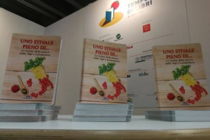 """Al Salone del Libro a Torino ci sarà anche """"Uno Stivale pieno di ... Le ricette della nonna dalle Alpi a Lampedusa"""" con il curatore-chef Luca Zara per Cef Publishing (Lingotto, 12 maggio)"""