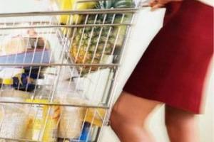 Auchan è il supermercato più conveniente nella fascia medio - alta, Esselunga per le grandi marche, Lidl fra i discount. Ma i prezzi cambiano in base alla città, e anche al punto vendita: così l'indagine di Altroconsumo sulla spesa degli italiani