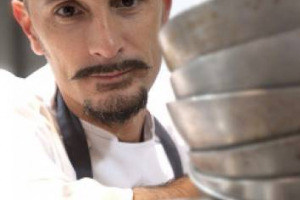 Joan Roca è il miglior chef del mondo per la neonata classifica Top 300 Best Chef Awards, seguito dal francese Michel Bras e dallo spagnolo David Munoz: Enrico Crippa primo dei 36 italiani al numero 6, Massimo Bottura al 9 e Davide Scabin al 16