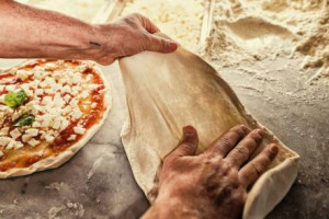Inizia il conto alla rovescia in attesa del voto del 4 dicembre per il riconoscimento dell'arte dei pizzaiuoli napoletani a Patrimonio Immateriale Unesco. E, intanto, Coldiretti annuncia: raggiunti 2 milioni di firme a sostegno della candidatura