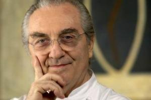 """Lo chef Gualtiero Marchesi è, per le Donne del Vino, """"Personaggio dell'Anno"""", anche per l'impegno nella diffusione della formazione degli addetti alla ristorazione sulle pratiche anti-soffocamento: sarà premiato il 16 novembre ad Ozzano dell'Emilia"""