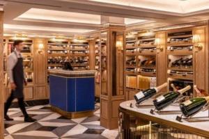 """La """"The Taste Revolution"""" di Harrods: 8.000 metri quadrati dedicati al vino nel cuore del magazzino del lusso icona di Londra, per 1.400 etichette tra le 9 e le 28.000 sterline, in una cantina Art Deco"""