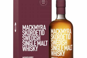 Si chiama Skördetid ed è un whiskey svedese che profuma di Amarone. Risultato dall'affinamento di sei mesi nelle botti del Costasera, è il frutto della collaborazione fra la distilleria Mackmyra e lo storico produttore della Valpolicella Masi