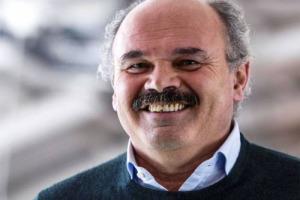 """Eataly, la """"creatura"""" di Oscar Farinetti, che con i suoi store in Italia e nel mondo ha contribuito alla diffusione del cibo made in Italy di qualità, compie 11 anni, e festeggia insieme al movimento che l'ha ispirata: Slow Food (domani a Torino)"""