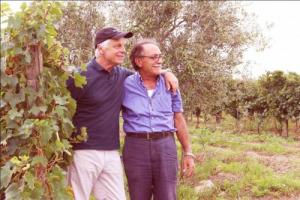 Quarant'anni, tanto c'è voluto perché Michele Placido portasse a termine il suo sogno: una cantina in Puglia, insieme all'amico Domenico Volpone, conosciuto nel 1974. Nasce così, nel segno dell'amicizia, la Placido Volpone, ad Ascoli Satriano