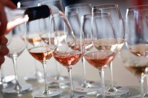 Il vino rosato cresce nel mondo, tipologia sempre più amata e ricercata in ogni mercato. E, per far incontrare domanda e offerta, ecco Pink Rosè Festival, l'unica kermesse professionale a tema (edizione n. 2), a Cannes, dal 7 al 9 febbraio 2018