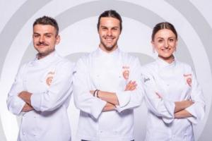 """Sarà che sempre più giovani, affascinati dagli chef-star, sognano una carriera dietro ai fornelli, fatto sta che sono tutti """"under 25"""" i tre finalisti dell'edizione n. 7 di Masterchef Italia, Kateryna, Alberto e Simone. La finale su Sky l'8 marzo"""