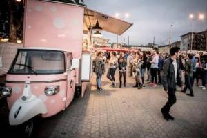 """Lo street food è più che mai di tendenza, ma il mestiere non si improvvisa, e saper cucinare non basta. Ci vogliono passione e creatività, ma la """"ricetta"""" riesce solo se c'è una base solida: per questo nasce la """"StreetFoody Academy"""""""