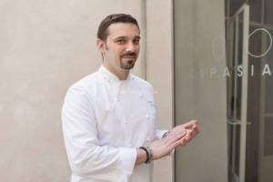 """La cucina italiana nel meglio degli hotel del mondo by """"Virtuoso"""": """"Hotel of the Year"""" è Palazzo Seneca a Norcia, con il ristorante stellato Vespasia (chef Palmisano), la """"Best Dining Experience"""", è La Terrazza dell'Hotel Eden di Roma (chef Ciervo)"""