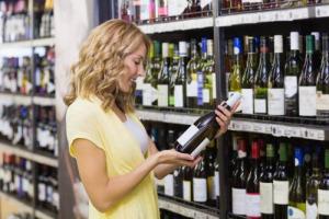 Vinitaly 2018 - Vino & Gdo: 2018 previsto in crescita, grazie a vini Dop, spumanti, bio e vini a marchio del distributore e nonostante l'aumento dei prezzi dovuto alla scarsa vendemmia 2017, che peserà soprattutto sui vini d'Italia