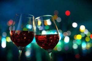 """I prossimi 25 anni del vino? Per i professionisti del settore, sondati da """"Meininger's"""", saranno influenzati da cambiamenti climatici, stili produttivi inconsueti, meno (o zero) alcol, produzione """"bio"""" e sostenibile, nuove bevande e cannabis legale"""