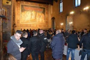 Il grande vino italiano da degustare sotto lo sguardo della Maestà di Simone Martini, o tra le storiche stanze del Monte dei Paschi di Siena: torna Wine & Siena (27-28 gennaio), by Gourmet's International (Merano WineFestival) e Confcommercio