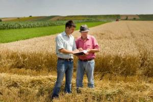 Tecnologia e giovani agricoltori, un match che funziona: il 66% degli under 40 è motivato ad adottare mezzi per l'agricoltura di precisione, il 64% vuole investirvi nei prossimi 1-2 anni, per incidere su sostenibilità e redditività. Così Fieragricola