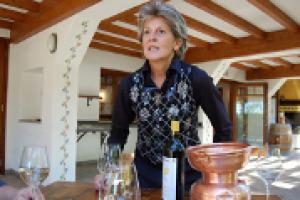 """Era il 2011 quando il progetto """"Viva Sustainable Wine"""" muoveva i primi passi. Oggi, dal Vinitaly di Verona, a fare il punto è la vignaiola Ornella Venica: """"il concetto di sostenibilità ambientale del vino va comunicato e reso remunerativo"""""""